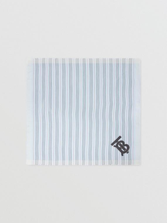 Pañuelo cuadrado grande en lana y seda a rayas Icon Stripe con monograma (Azul Pálido)