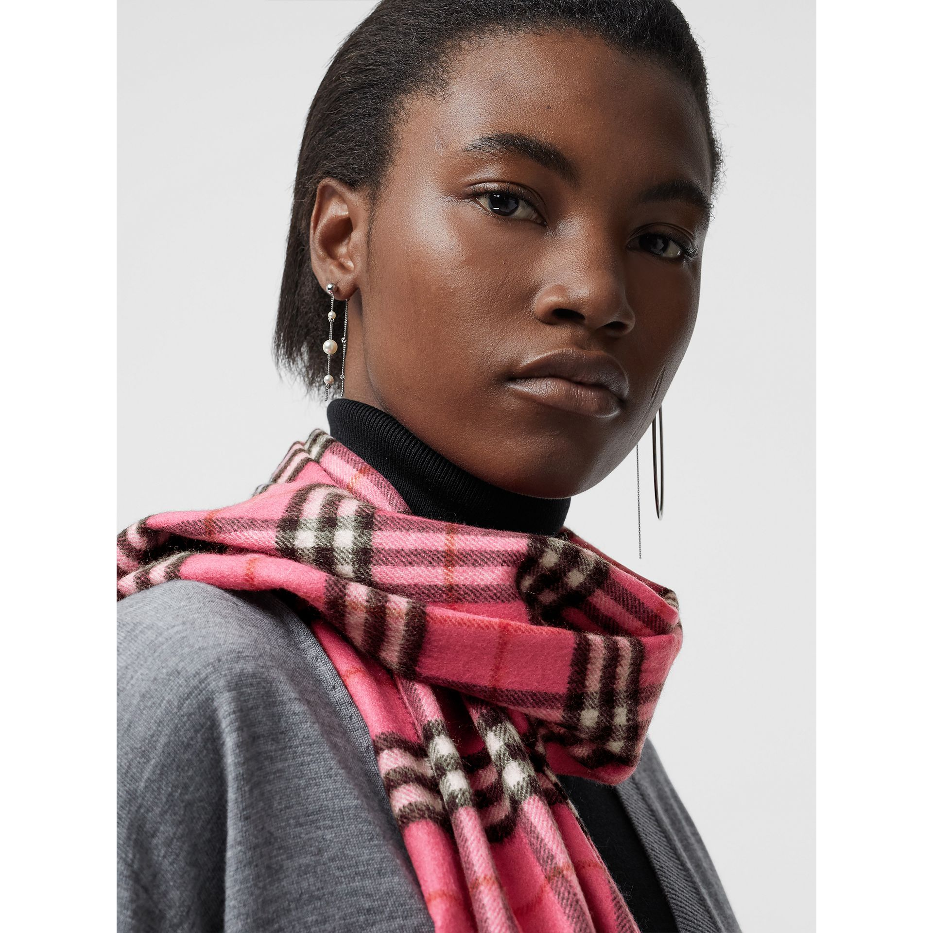 The Classic Vintage Check Cashmere Scarf in Bright Pink | Burberry United States - gallery image 5