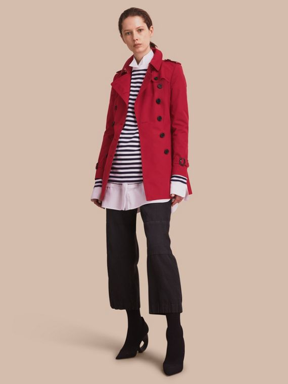 The Chelsea – Short Heritage Trench Coat Parade Red