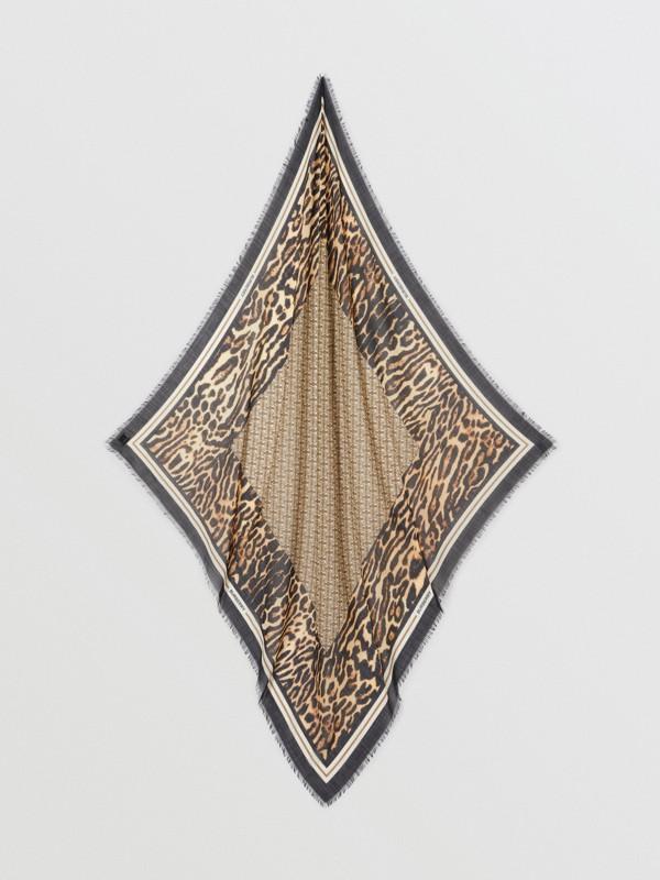 モノグラムプリント ウールシルク ラージ スクエアスカーフ (アーカイブベージュ) | バーバリー - cell image 3