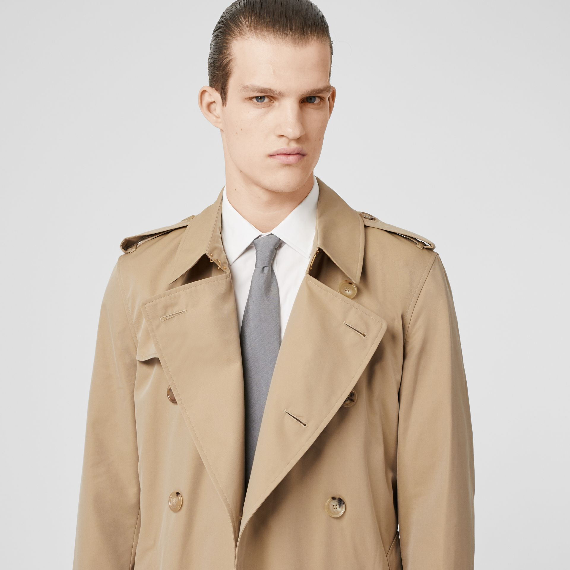 The Kensington Heritage Trench Coat in Honey - Men | Burberry Canada - gallery image 1