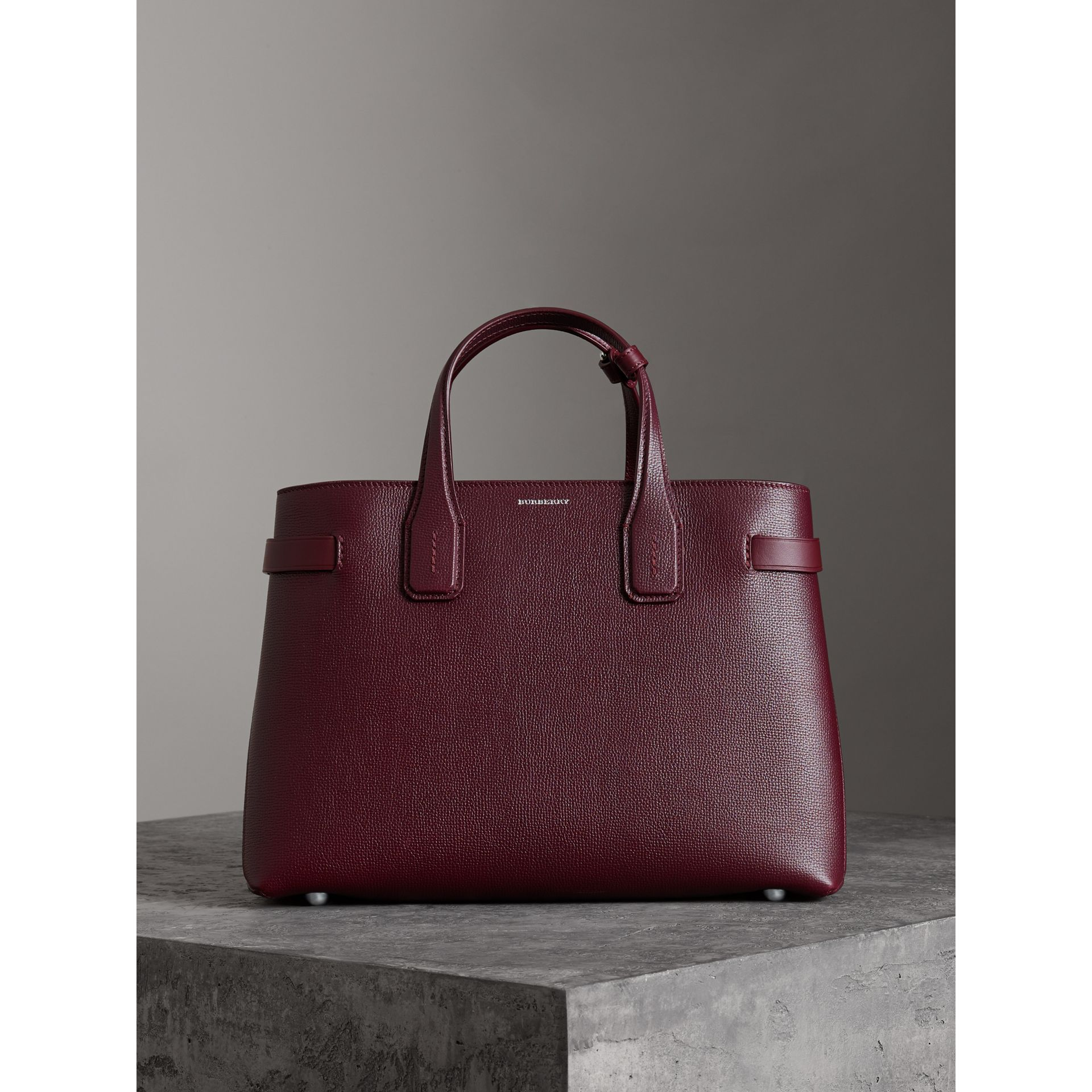 The Medium Banner in Leather and Vintage Check in Mahogany Red - Women | Burberry - gallery image 4