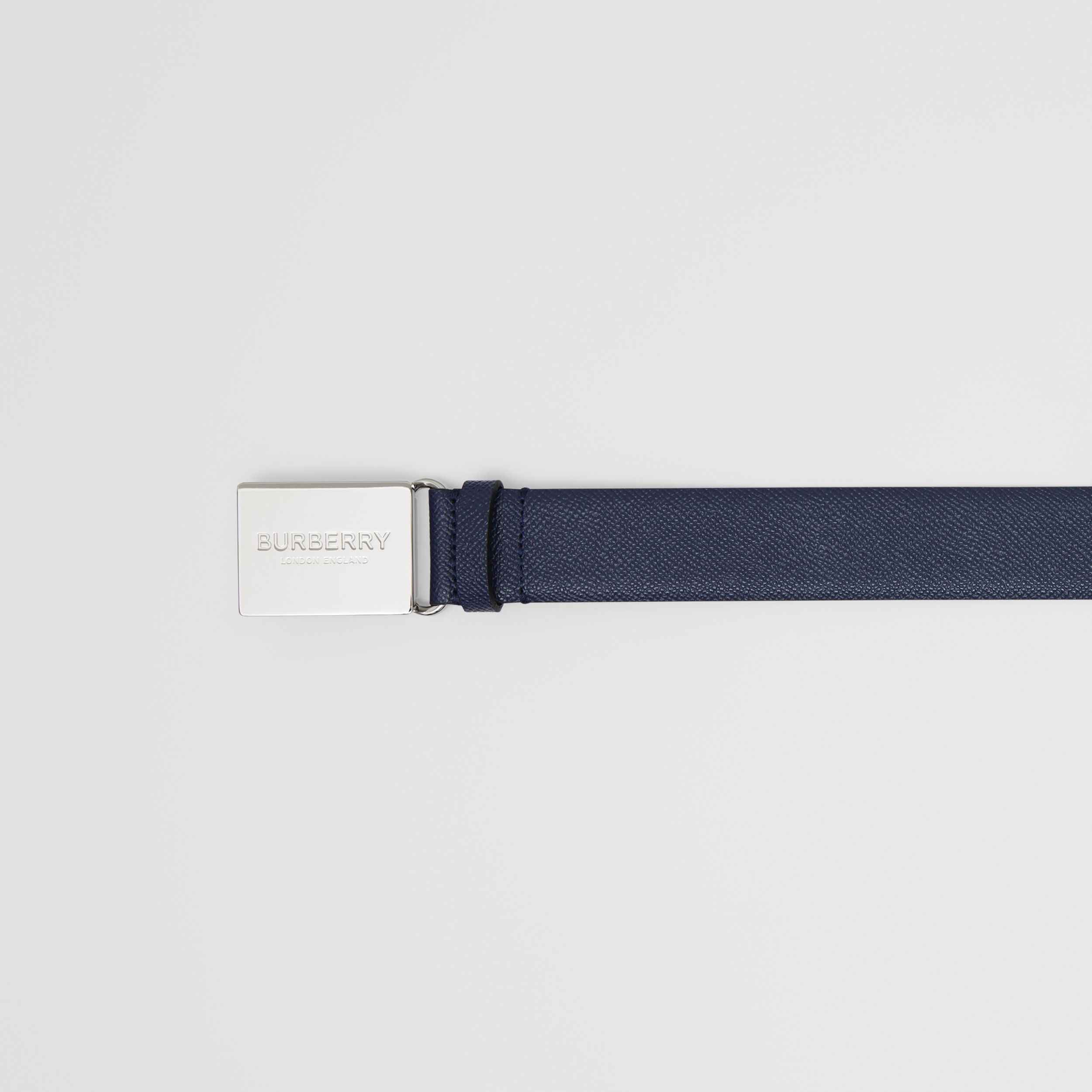 Plaque Buckle Grainy Leather Belt in Navy - Women | Burberry - 2