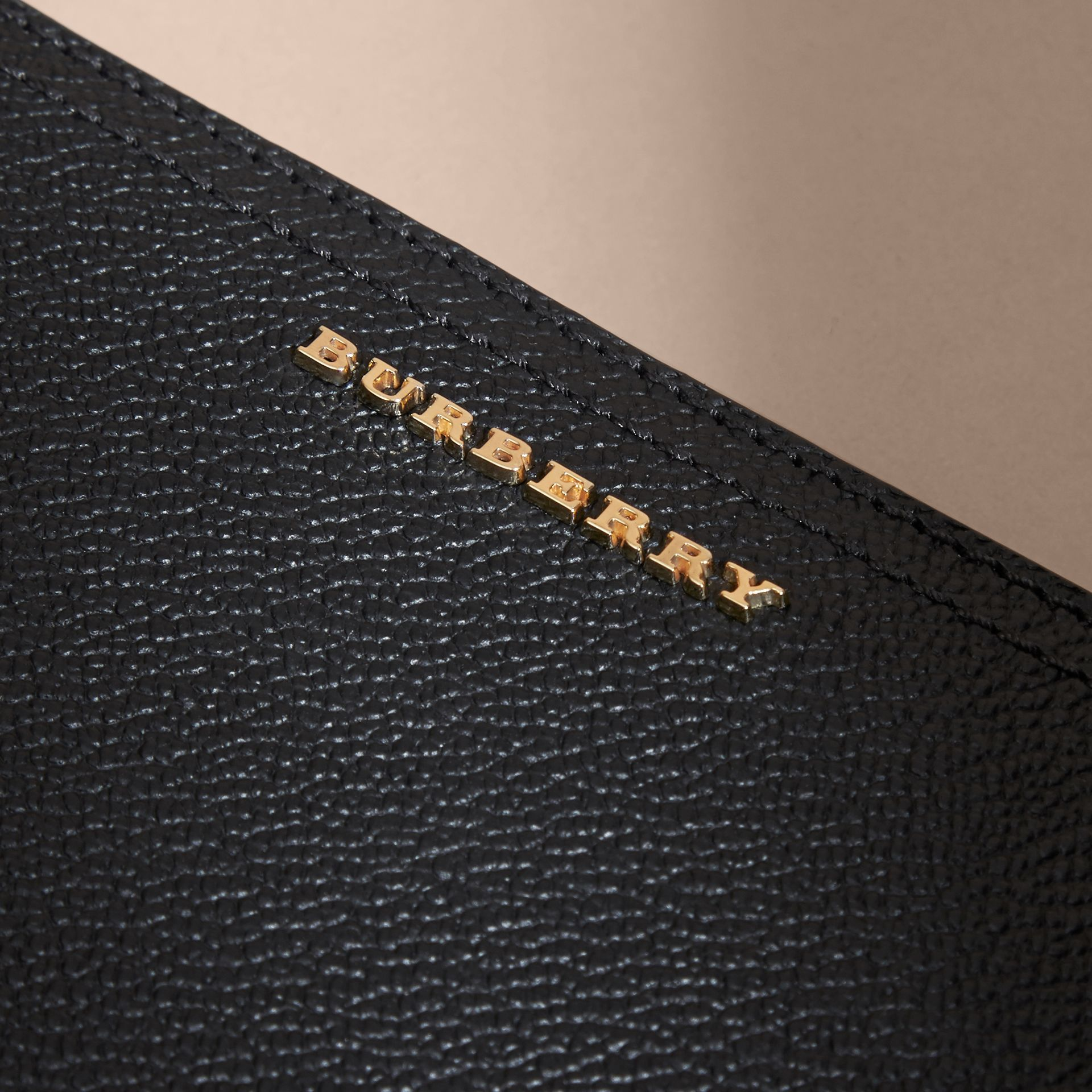 Grainy Leather Ziparound Wallet in Black - Women | Burberry - gallery image 4