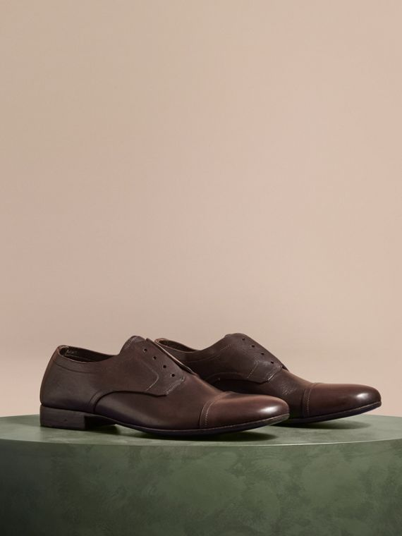 Derby-Schuhe aus Leder in Used-Optik