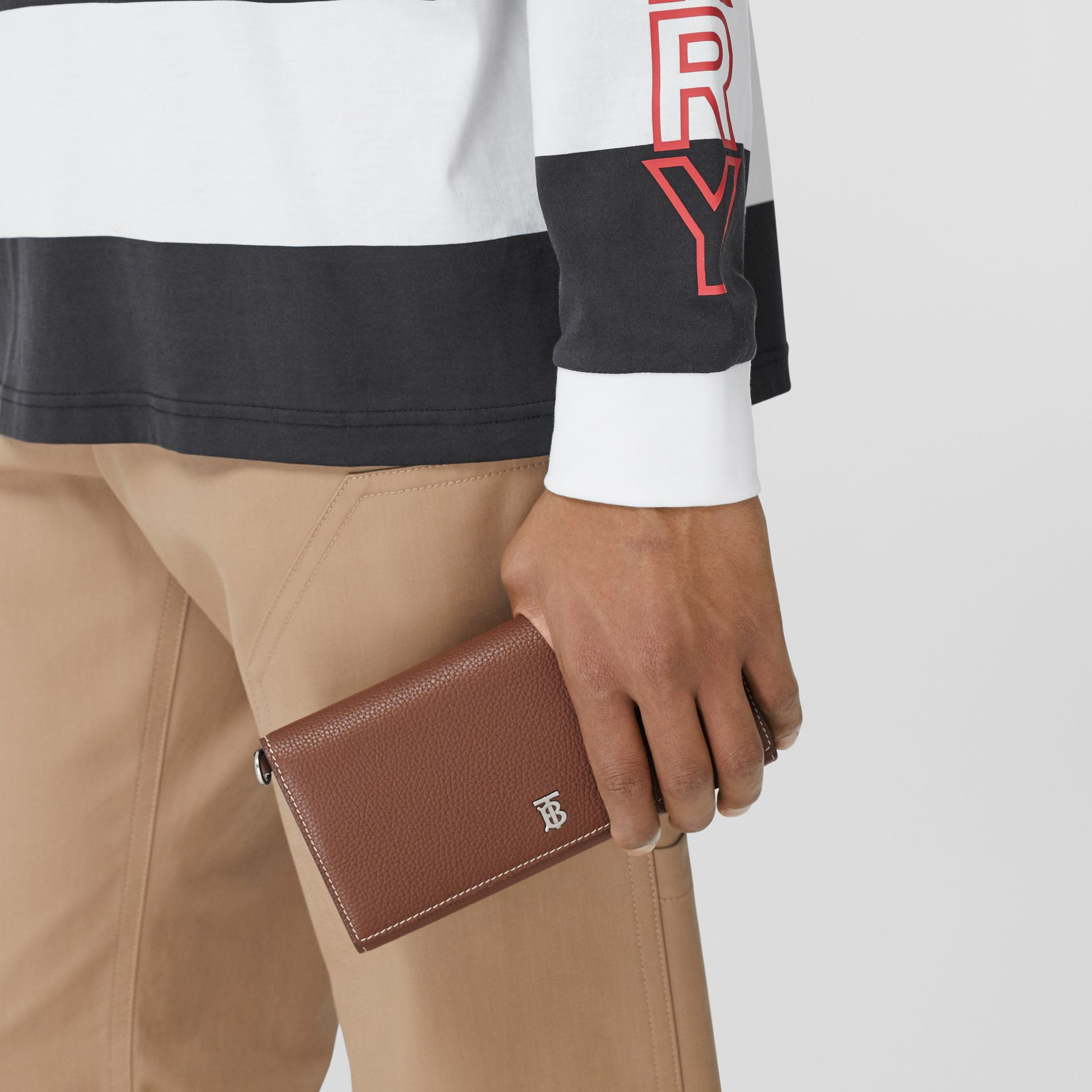 Grainy Leather Wallet with Detachable Strap in Tan | Burberry United States - gallery image 3