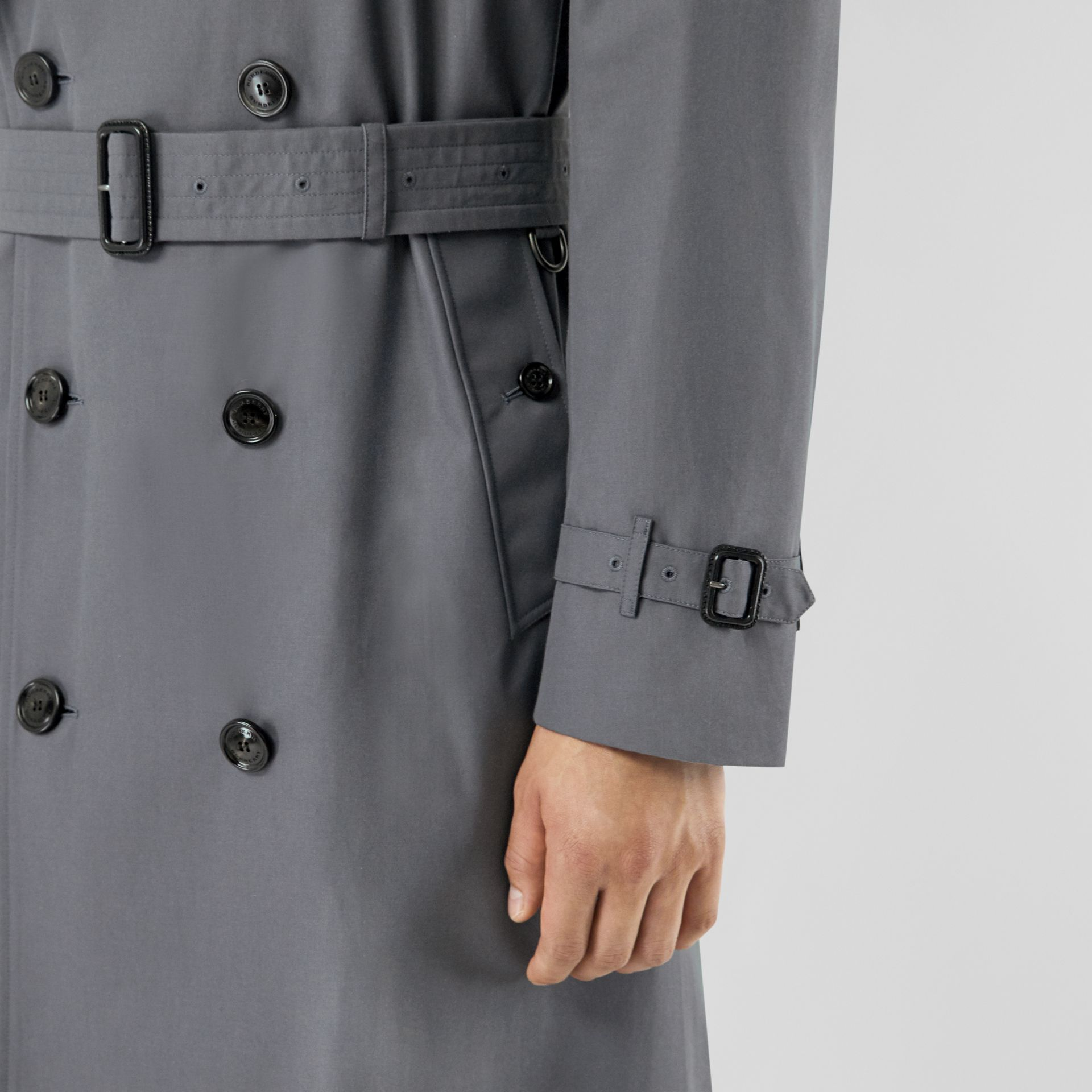 The Long Chelsea Heritage Trench Coat in Mid Grey - Men | Burberry United States - gallery image 4