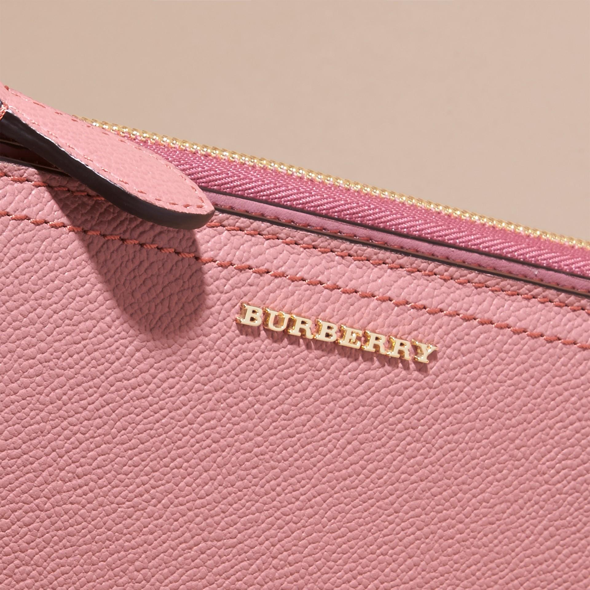 Rosa polvere Portafoglio in pelle a grana con cerniera su tre lati Rosa Polvere - immagine della galleria 2