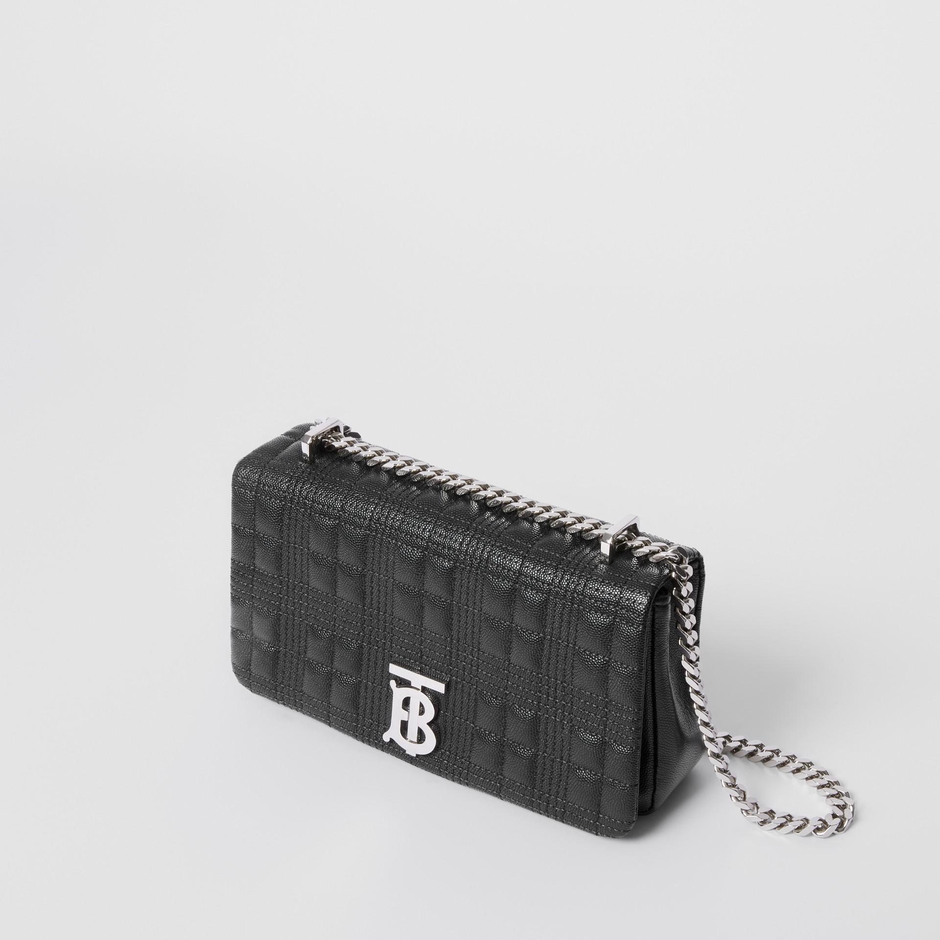 Bolsa Lola acolchoada em couro granulado - Pequena (Preto) | Burberry - galeria de imagens 4
