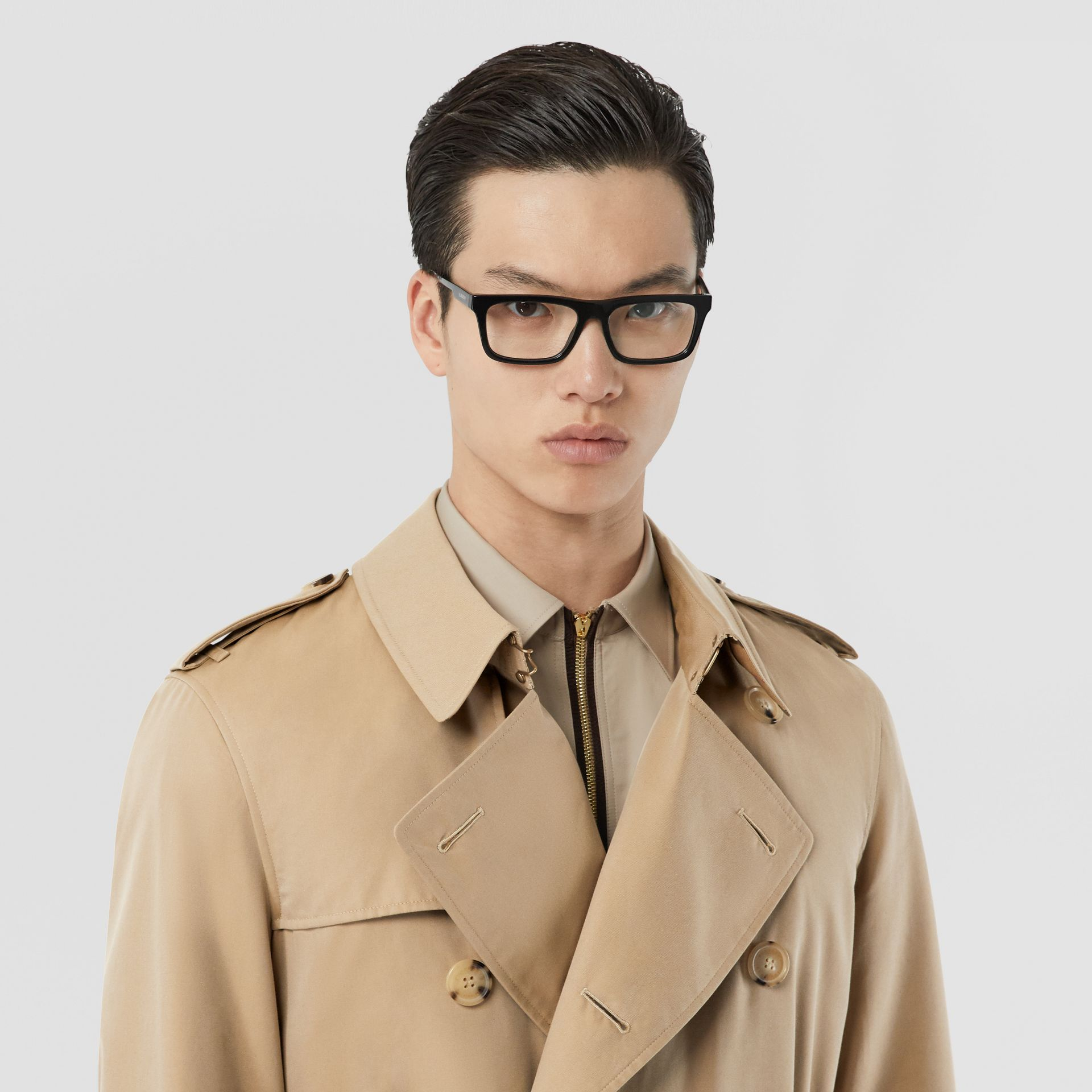 The Long Chelsea Heritage Trench Coat in Honey - Men | Burberry United States - gallery image 1