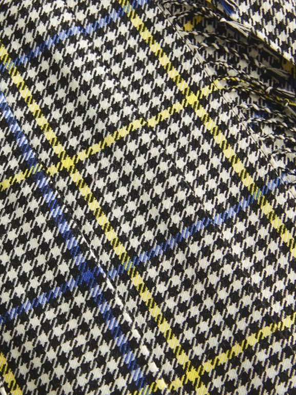 Fringe Detail Houndstooth Check Wool Kilt in Parchment | Burberry Singapore - cell image 1