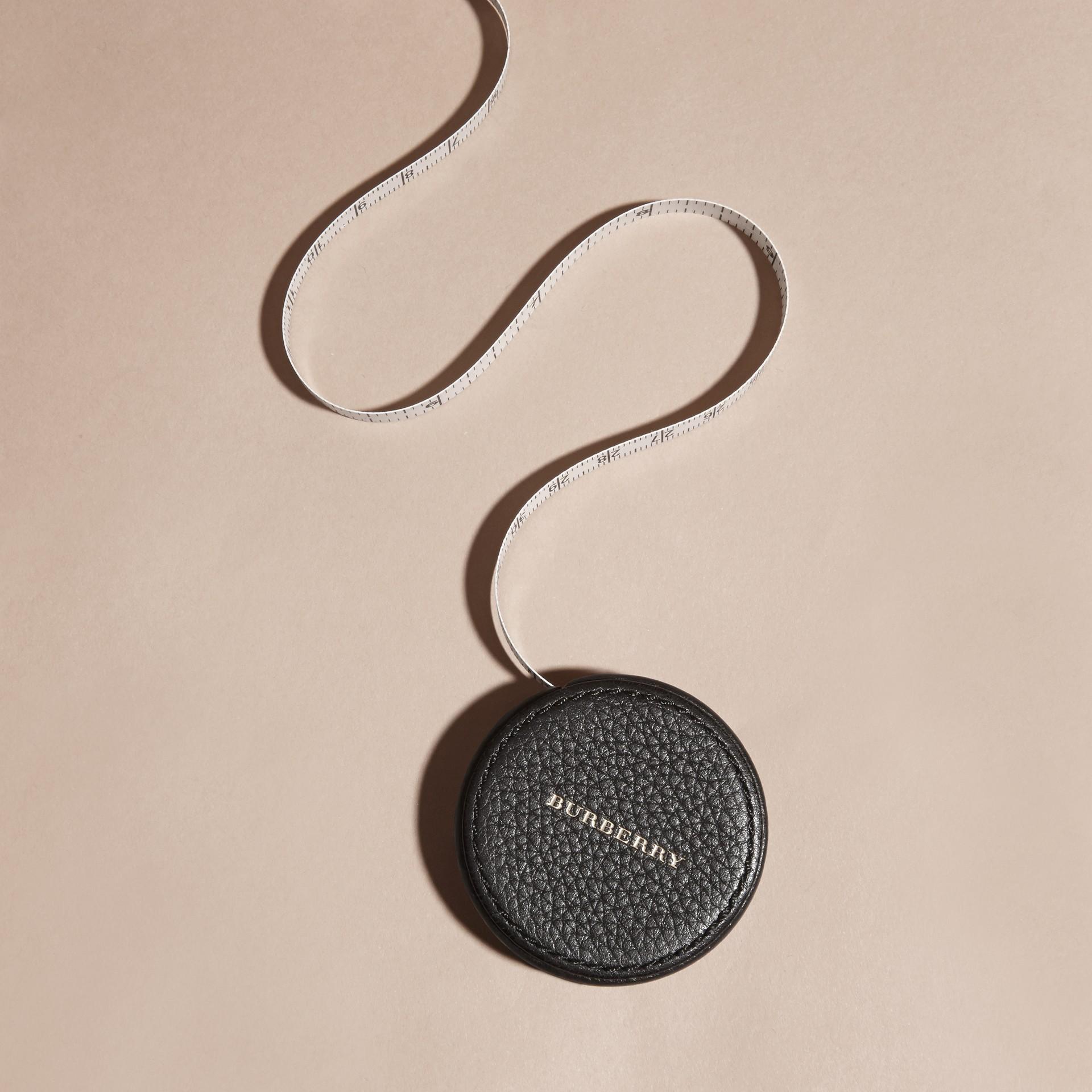 Preto Fita métrica com estojo de couro granulado - galeria de imagens 3