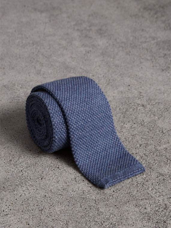 Slim Cut Waffle Knit Wool Tie in Lavender Blue