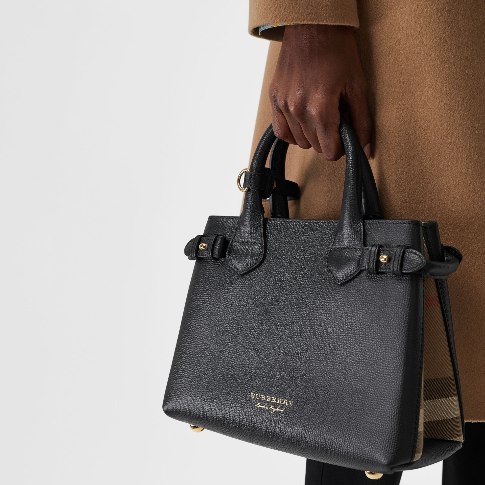 Petit sac The Banner en cuir et coton House check (Noir) - Femme | Burberry - photo de la galerie 3