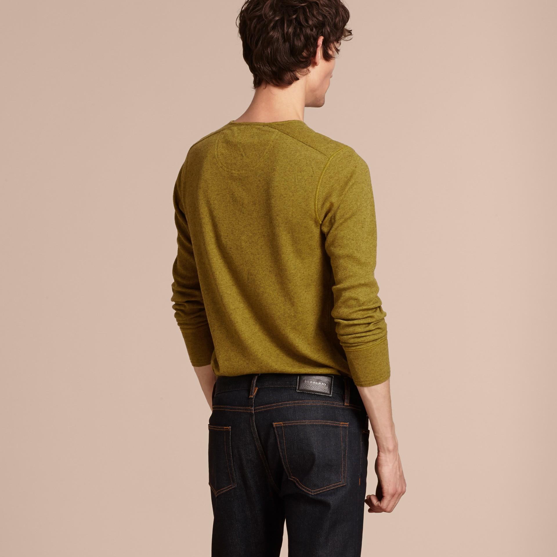 Olive green Camisa Henley de lã e algodão canelados Olive Green - galeria de imagens 3