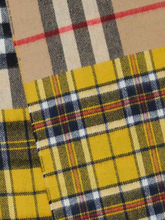 對比格紋喀什米爾美麗諾羊毛提花圍巾 (鮮黃色) | Burberry - cell image 1