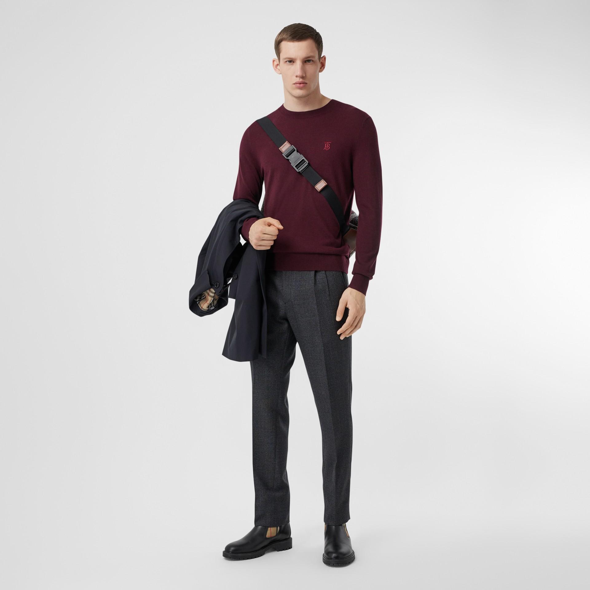 Suéter de cashmere com monograma (Vermelho Borgonha) - Homens | Burberry - galeria de imagens 4