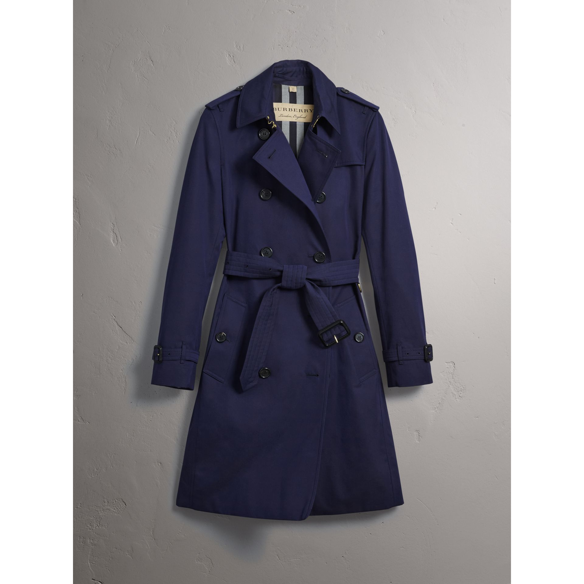 Cotton Gabardine Trench Coat in Blueberry - Women | Burberry Canada - gallery image 4