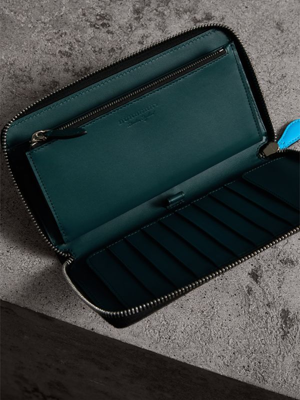 Haymarket Check and Leather Ziparound Wallet in Bright Blue - Men | Burberry United Kingdom - cell image 3