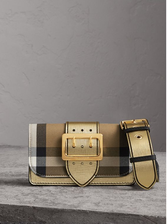 Borsa The Buckle piccola con motivo House check e pelle (Oro)