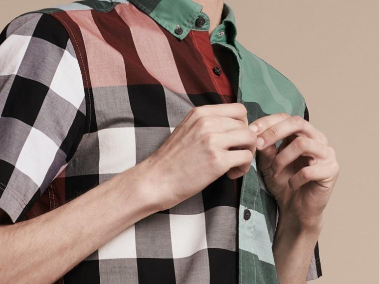 Parade red Camisa de algodão de mangas curtas e estampa Colour Block xadrez Parade Red - cell image 4