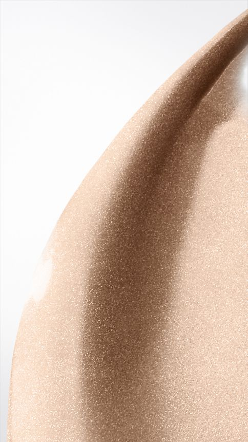 Nude radiance 01 Fresh Glow Luminous Fluid Base – Nude Radiance No.01 - Image 2