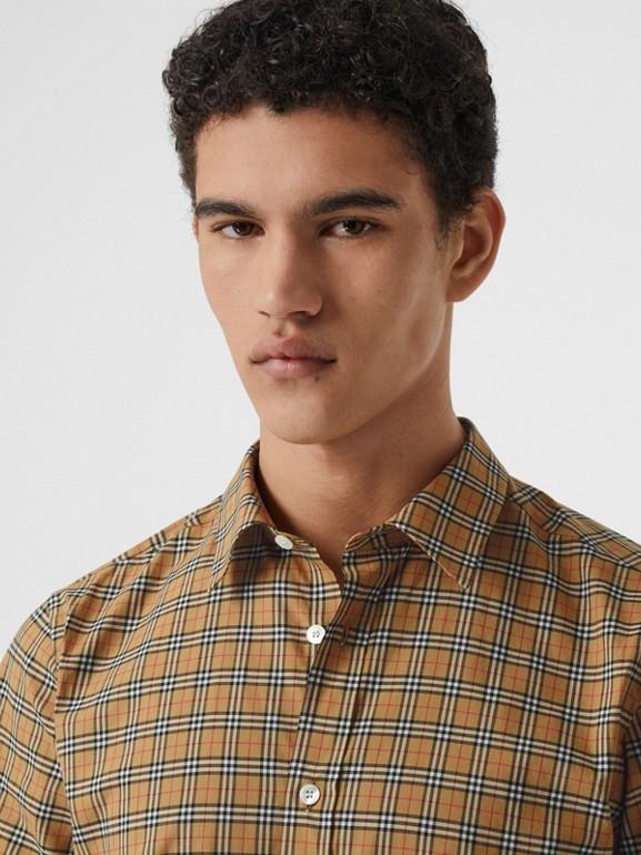 Camisa de manga corta en algodón a cuadros (Amarillo Antiguo) - Hombre | Burberry - cell image 1