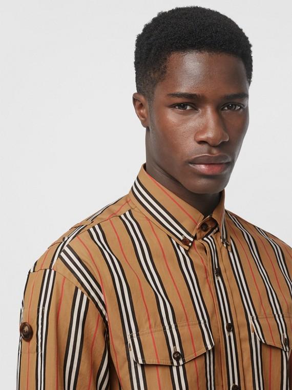Camisa de algodão com listras icônicas (Amarelo Antigo)