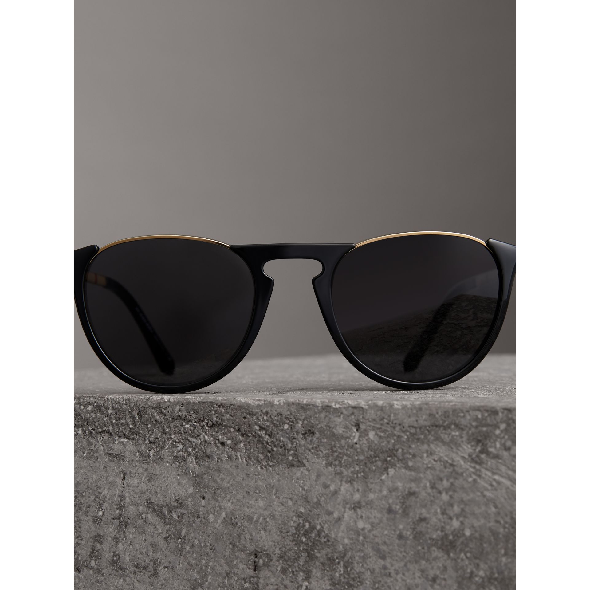 Keyhole Pilot Round Frame Sunglasses in Black - Men | Burberry - gallery image 2