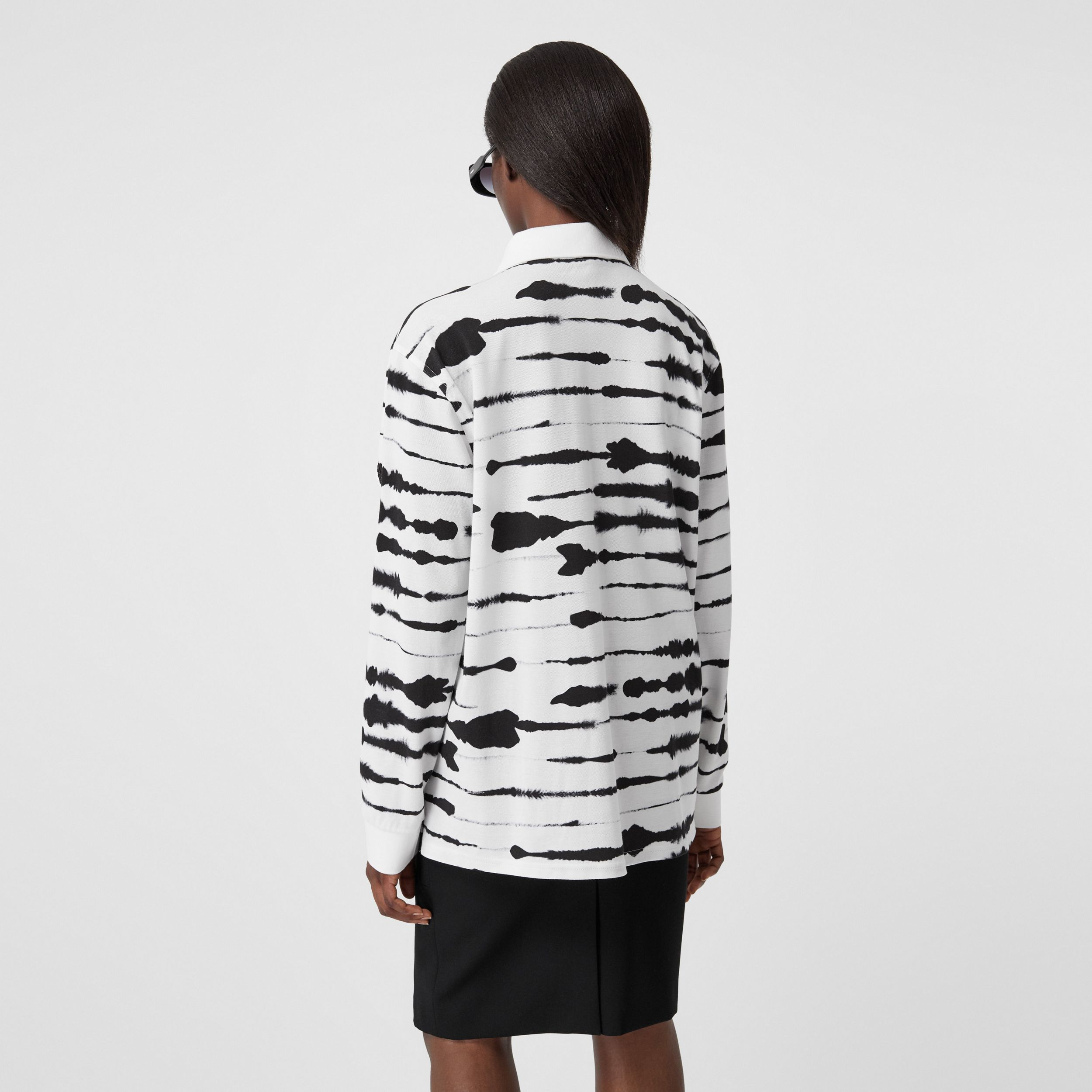 Cut-out Sleeve Watercolour Print Cotton Polo Shirt in Monochrome - Women | Burberry - 3