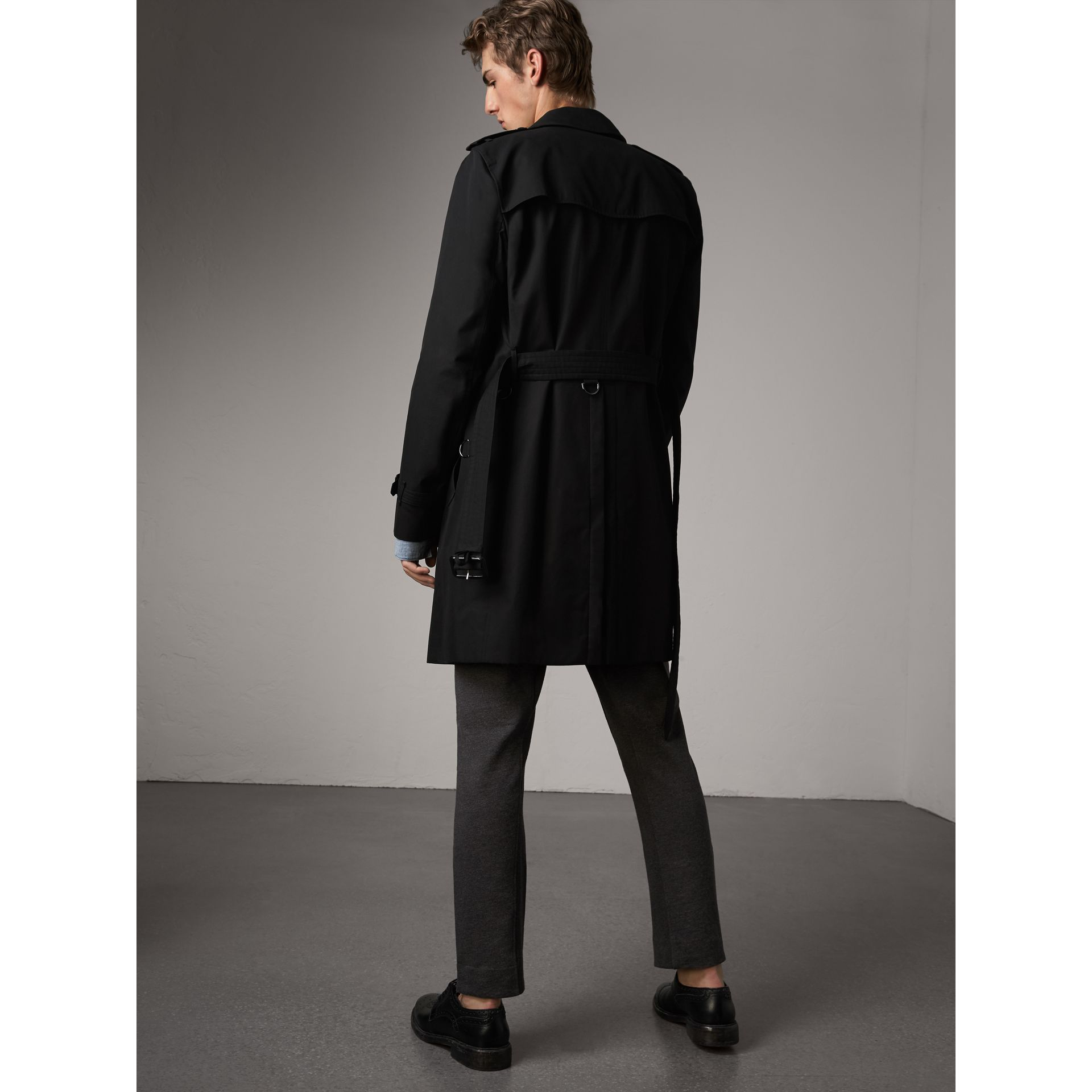 The Kensington – Long Trench Coat in Black - Men | Burberry - gallery image 3