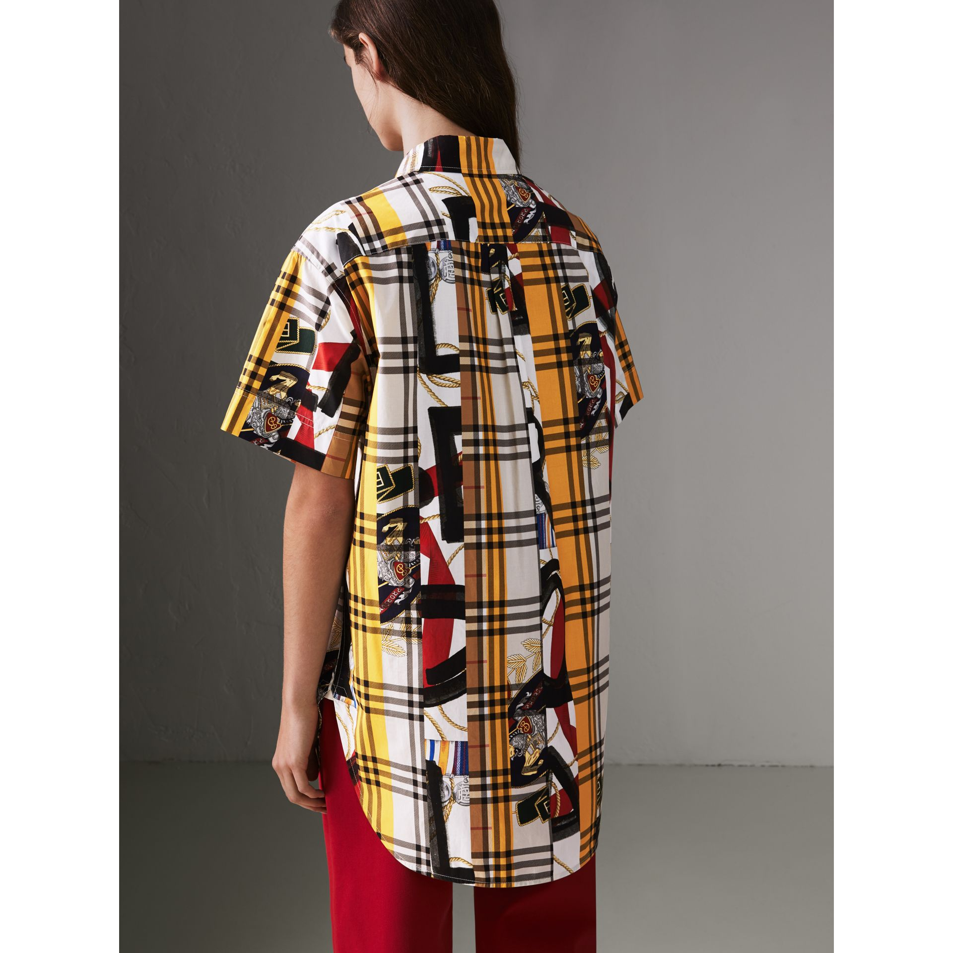 Short-sleeve Archive Scarf Print Check Cotton Shirt in Multicolour - Women | Burberry United Kingdom - gallery image 2