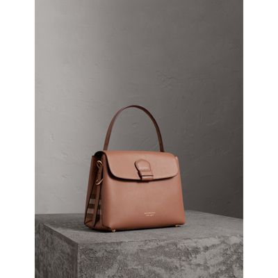 Sale Cheapest Price Medium Grainy Leather and House Check Tote Bag - Black Burberry Sale Exclusive Best Prices Cheap Online Free Shipping Hot Sale Eastbay Cheap Online s70OyI
