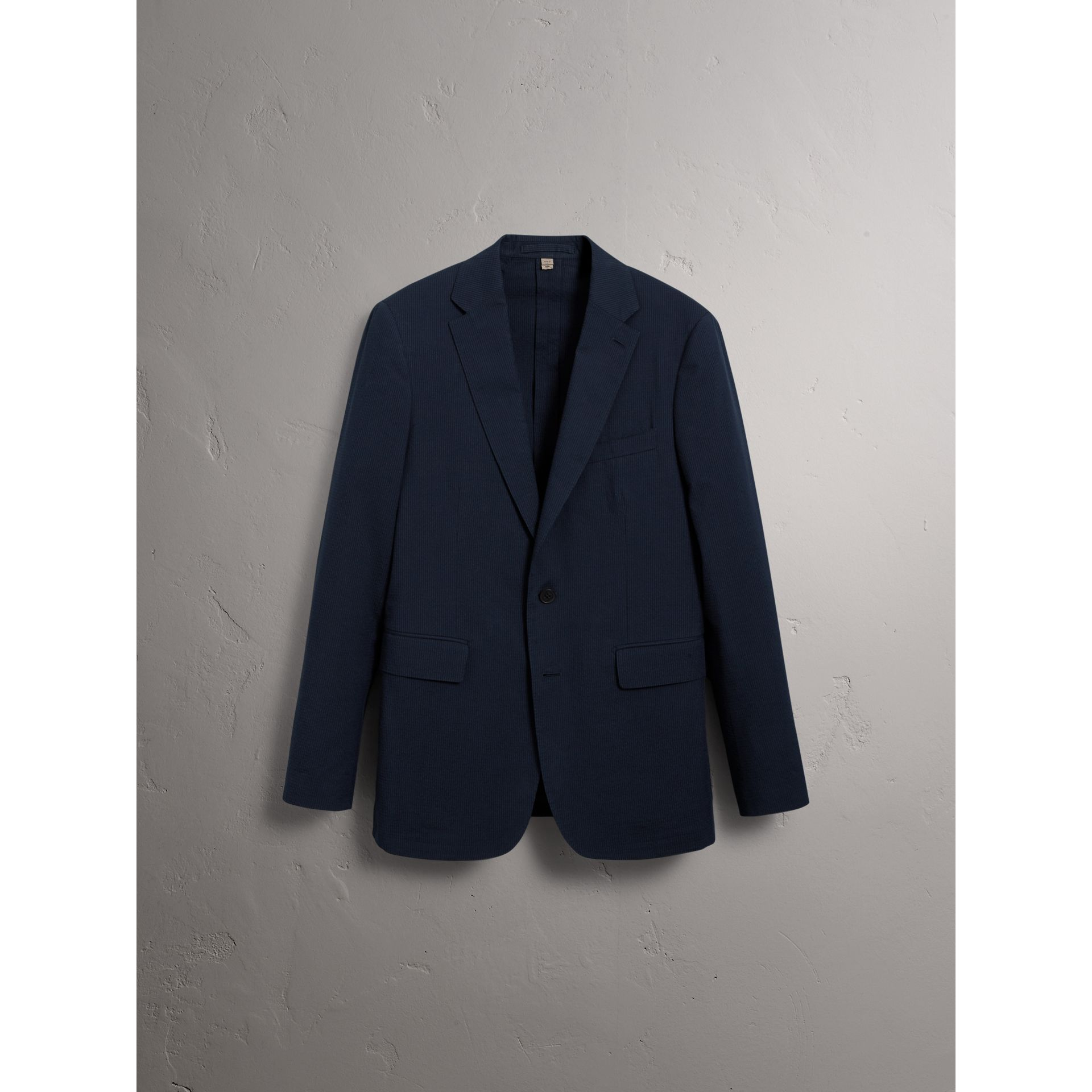 Soho Fit Cotton Silk Seersucker Suit in Navy - Men | Burberry - gallery image 3