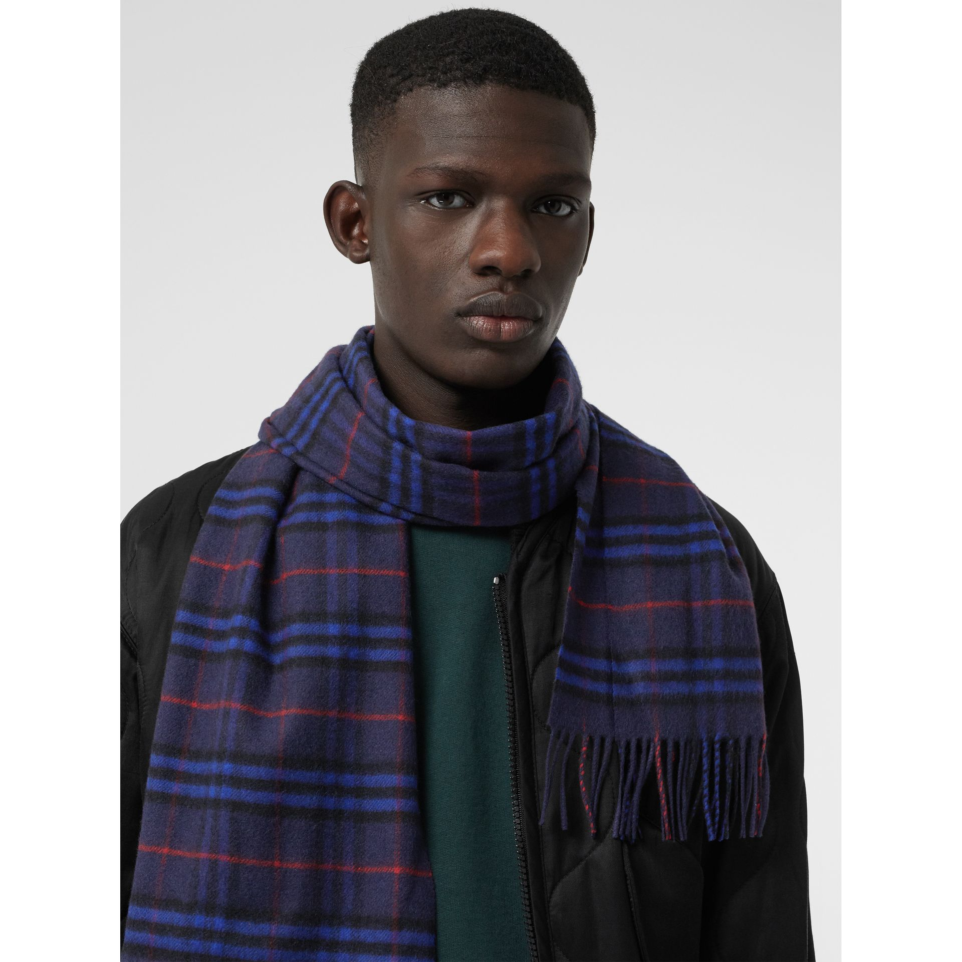 The Classic Vintage Check Cashmere Scarf in Bright Navy | Burberry - gallery image 6