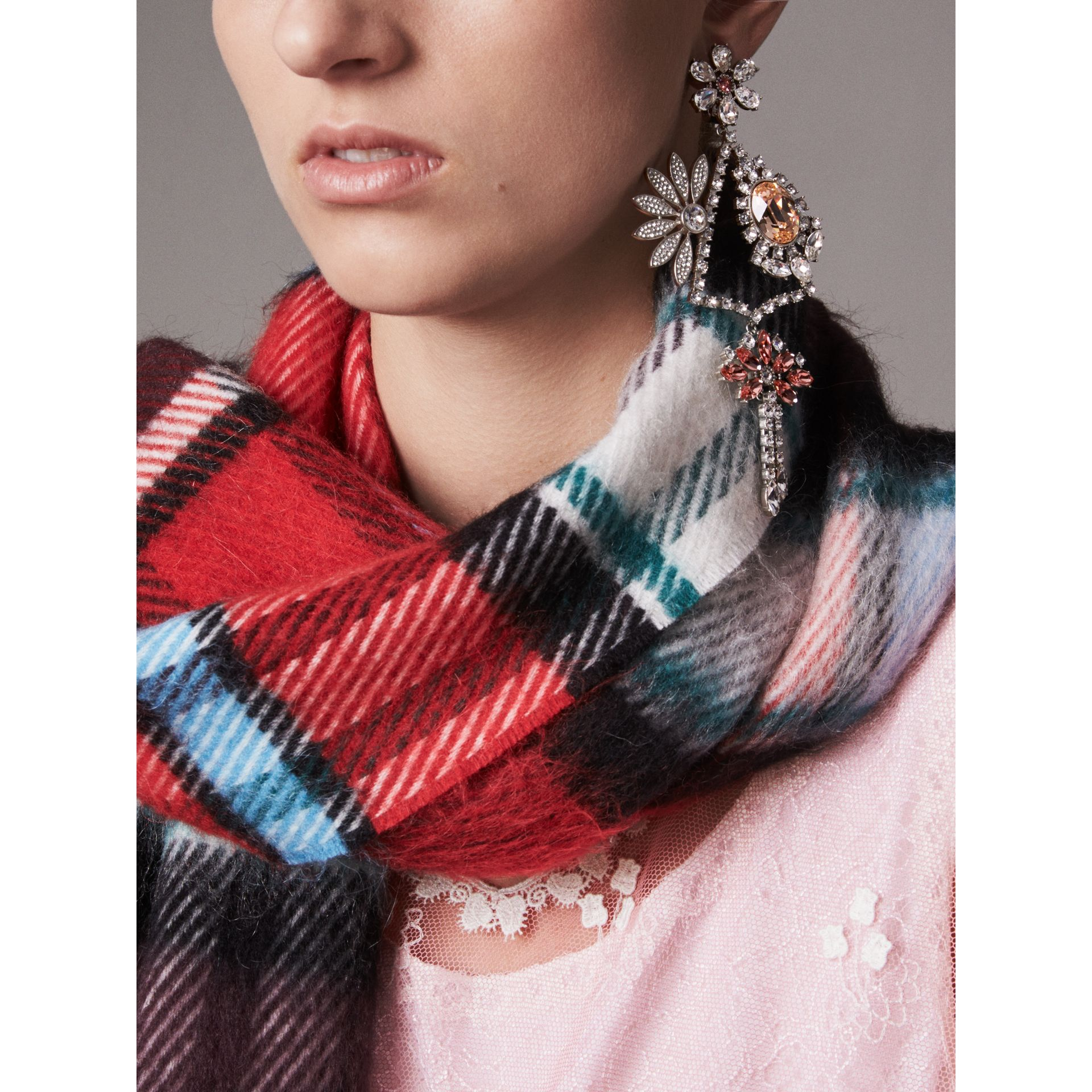 Crystal Daisy Chandelier Earring and Stud Set in Rose - Women | Burberry United Kingdom - gallery image 2