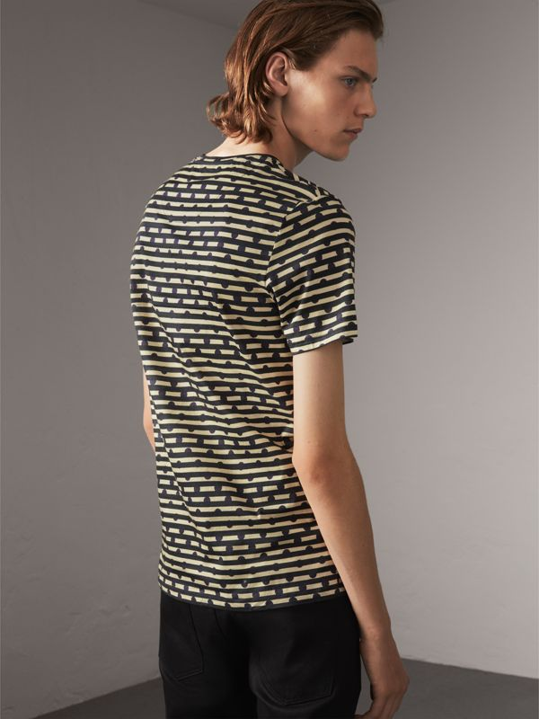 T-shirt in cotone con stampa a righe e pois (Navy) - Uomo | Burberry - cell image 2