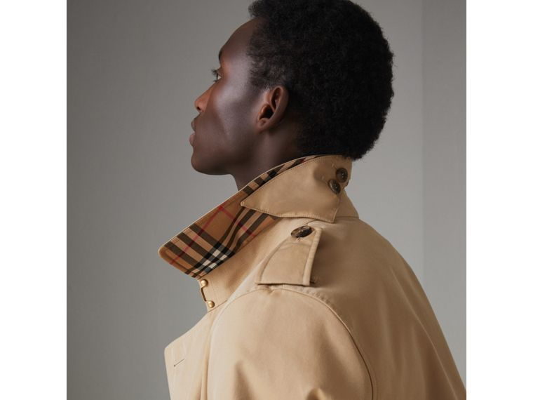 The Chelsea Heritage Trench Coat in Honey - Men | Burberry United Kingdom - cell image 4