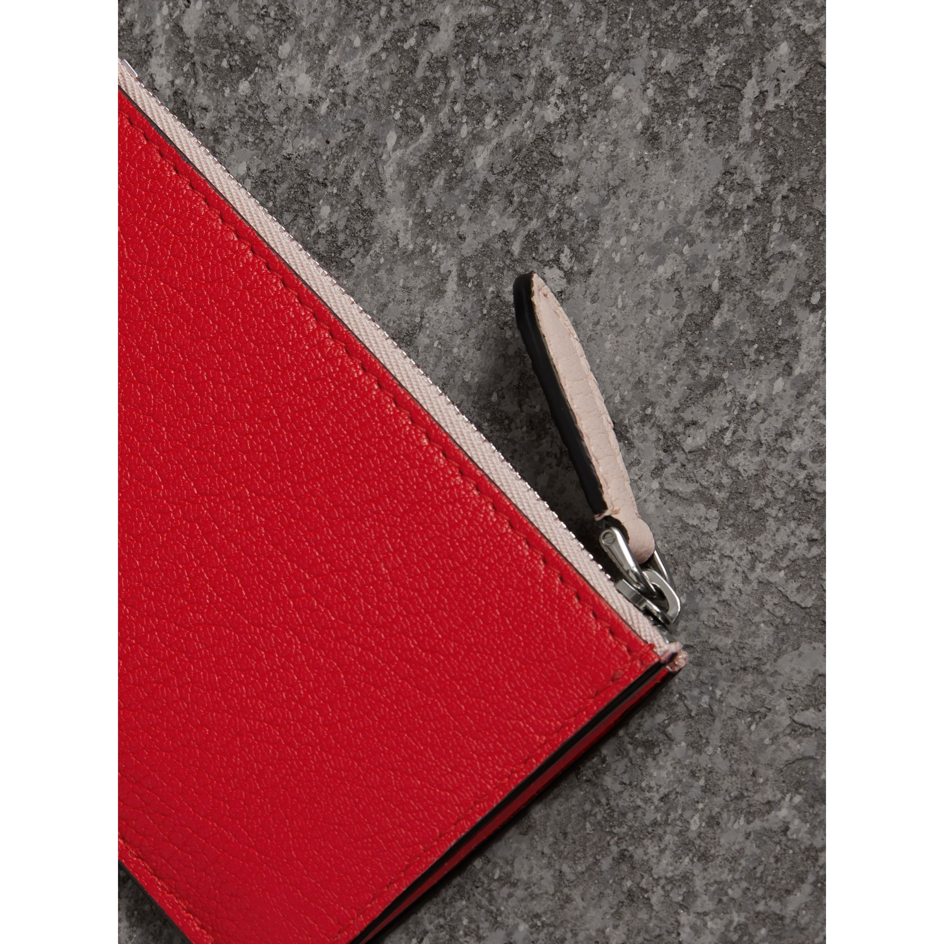 Two-tone Leather Zip Card Case in Bright Red | Burberry - gallery image 2