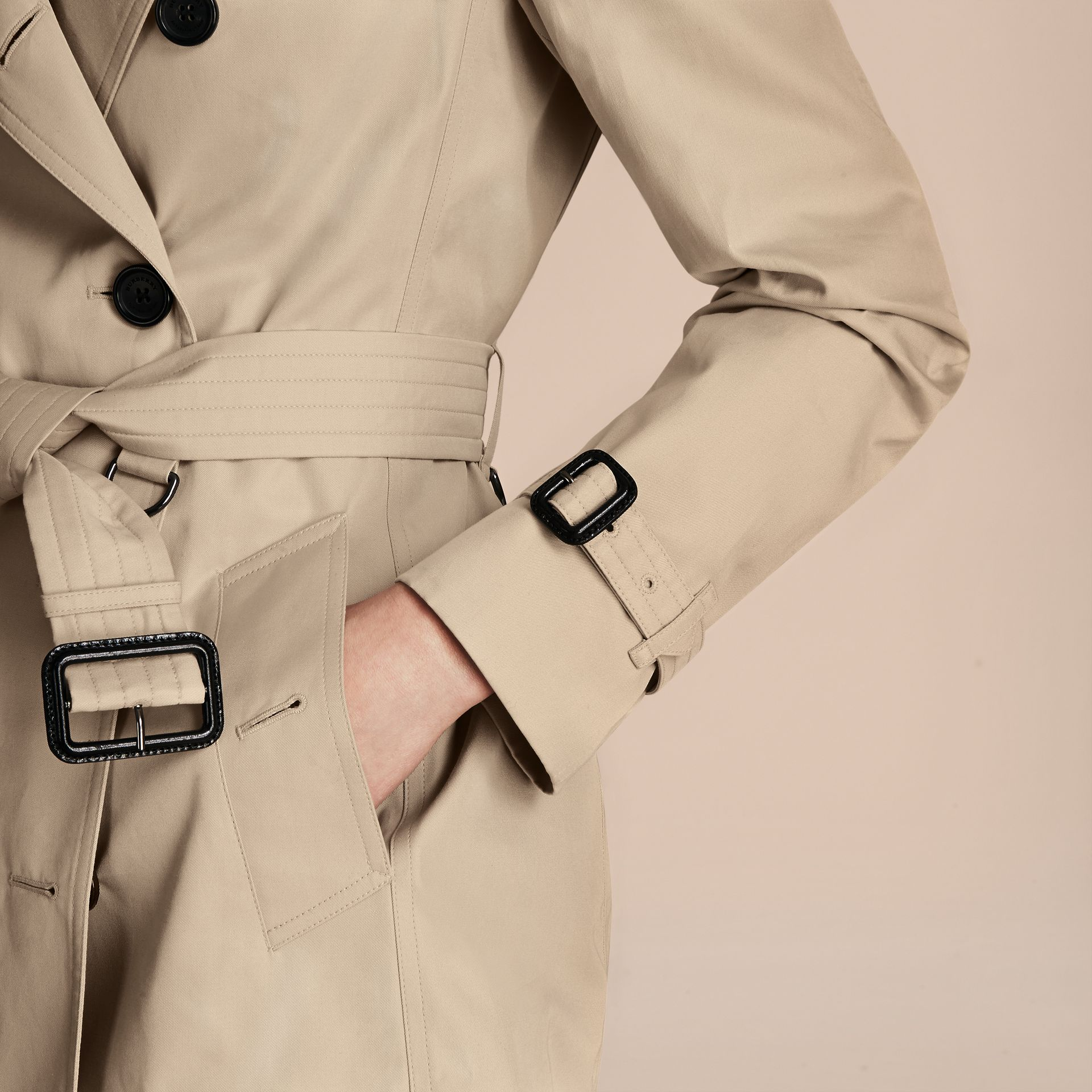 Stone The Kensington – Short Heritage Trench Coat Stone - gallery image 5