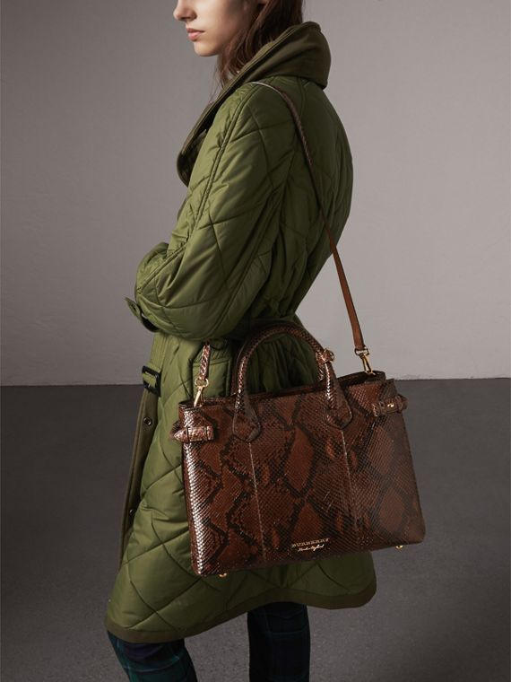 The Medium Banner aus Pythonleder (Schokoladenbraun) - Damen | Burberry - cell image 3
