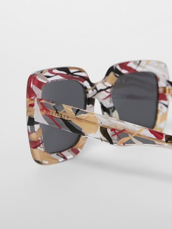Marbled Detail Oversized Square Frame Sunglasses in Black - Women | Burberry - cell image 1