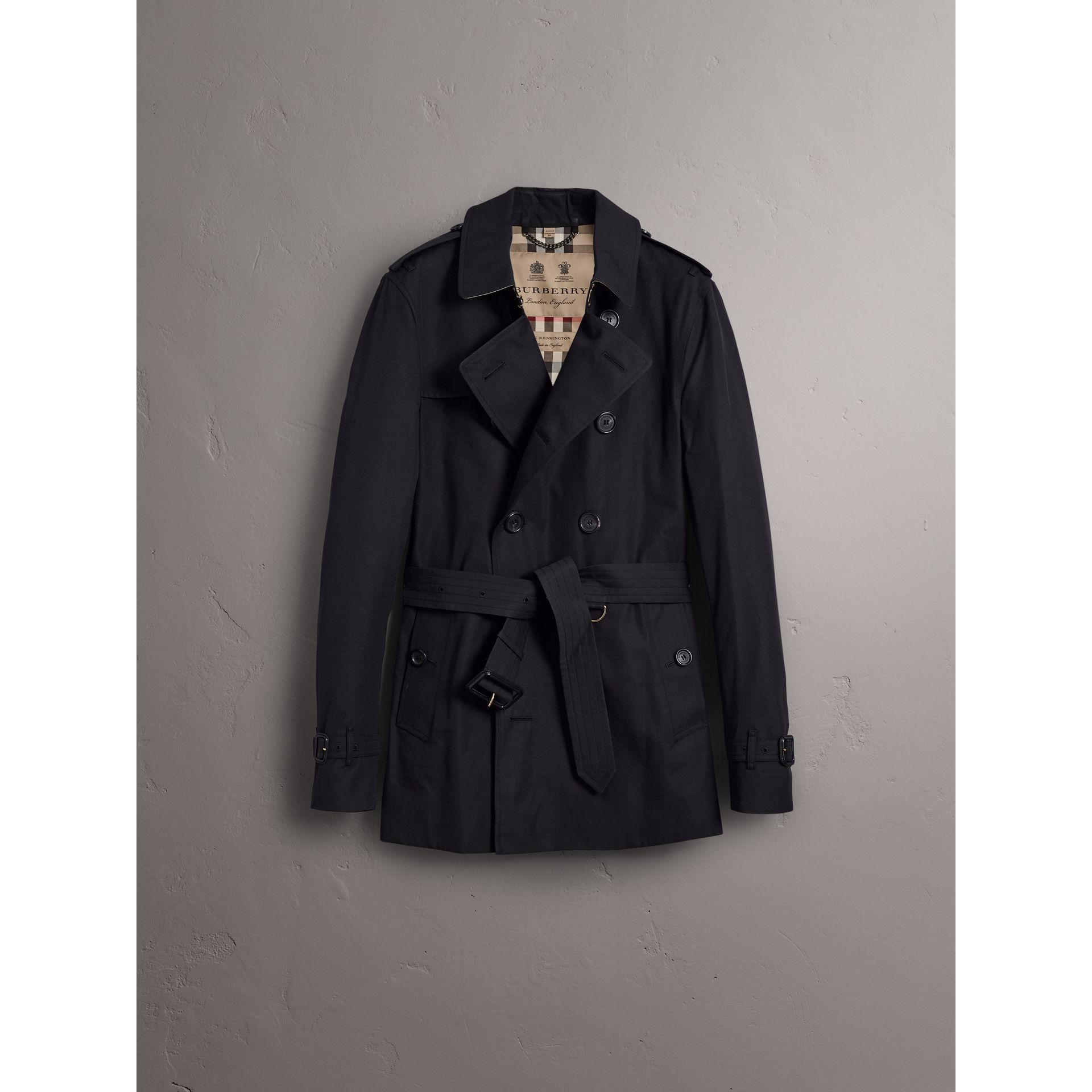 The Sandringham – Short Trench Coat in Navy - Men | Burberry - gallery image 4
