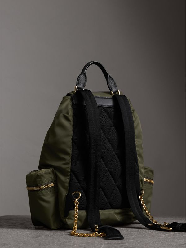 Zaino The Rucksack medio in nylon tecnico e pelle (Verde Tela) - Donna | Burberry - cell image 3