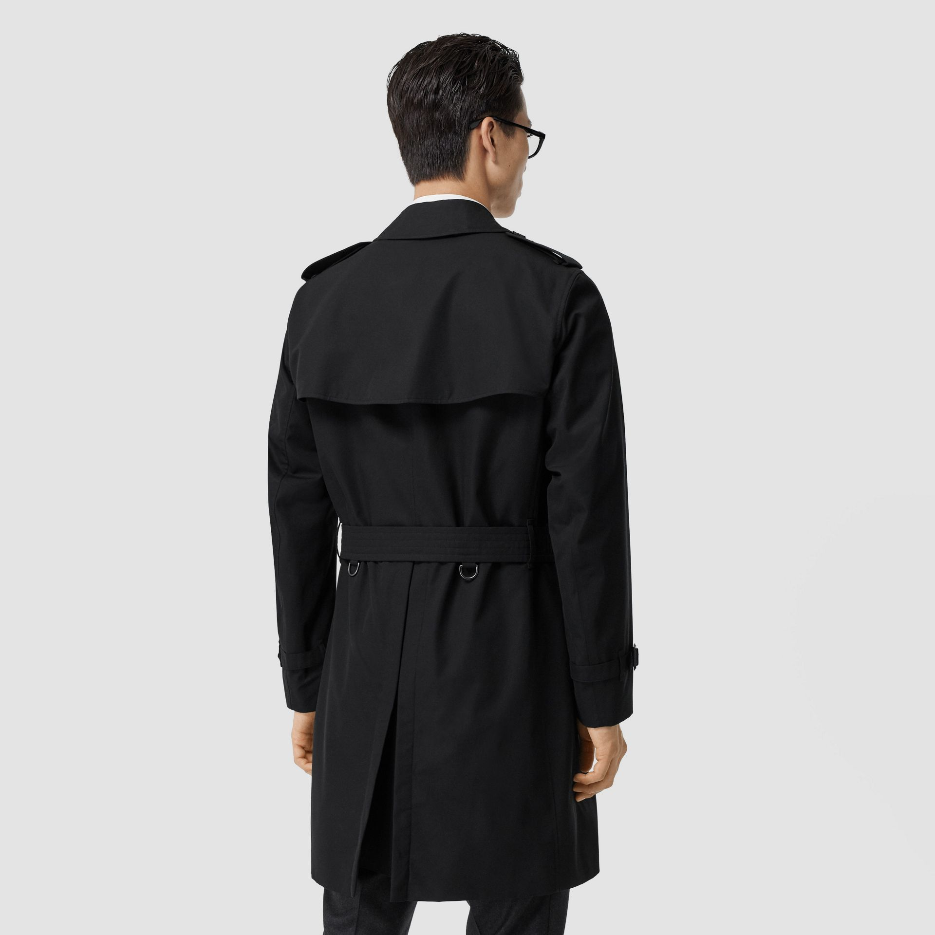 The Mid-length Chelsea Heritage Trench Coat in Black - Men | Burberry - gallery image 6