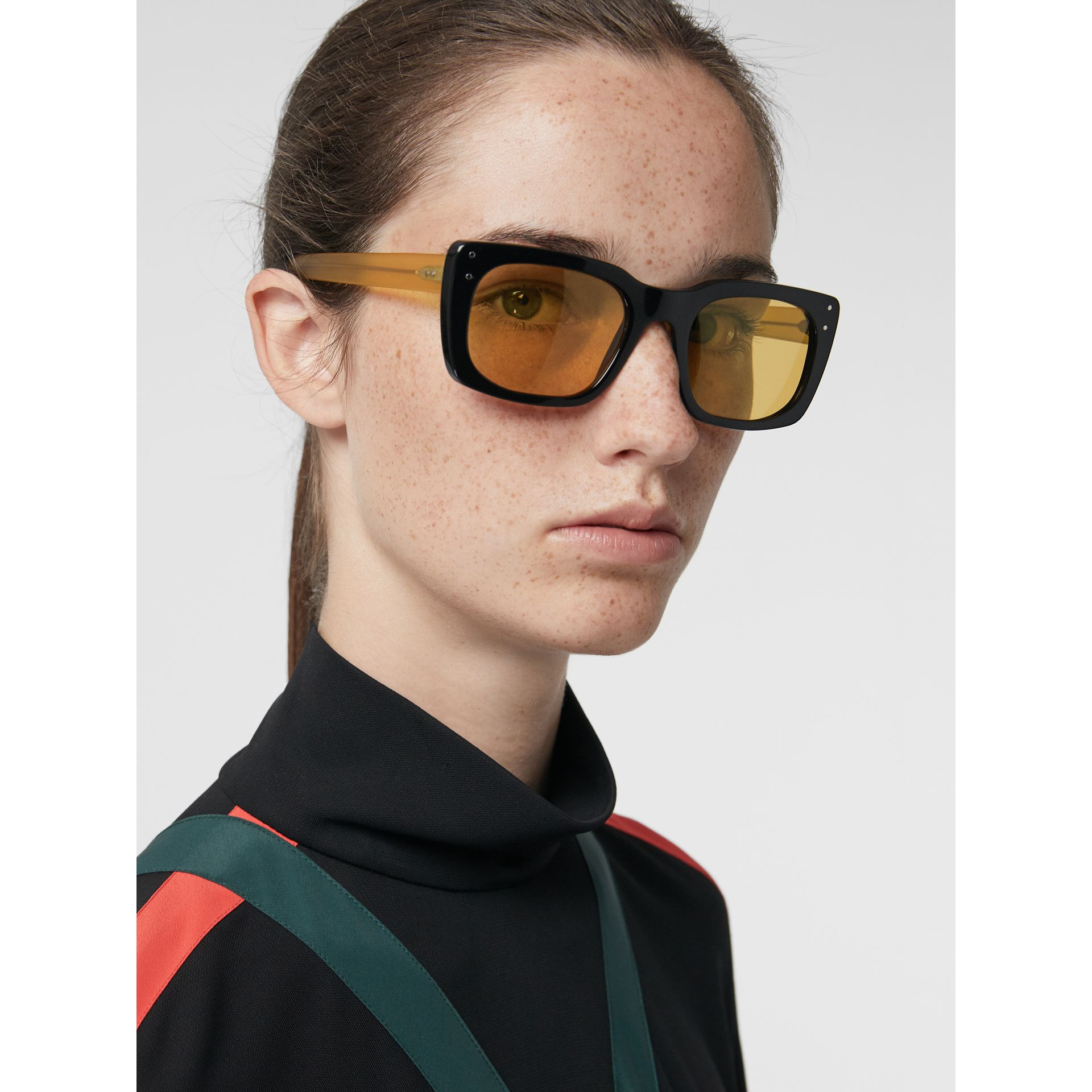 Square Frame Sunglasses in Black - Women | Burberry Canada - gallery image 2