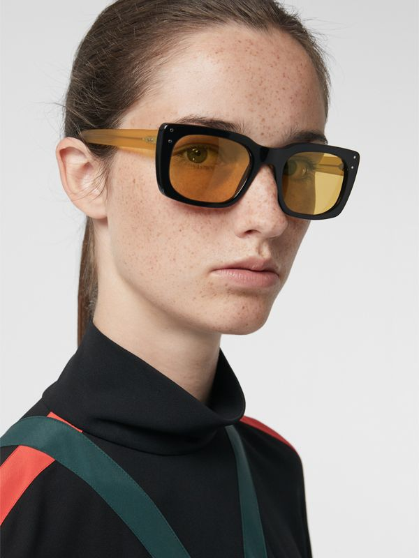 Square Frame Sunglasses in Black - Women | Burberry United States - cell image 2