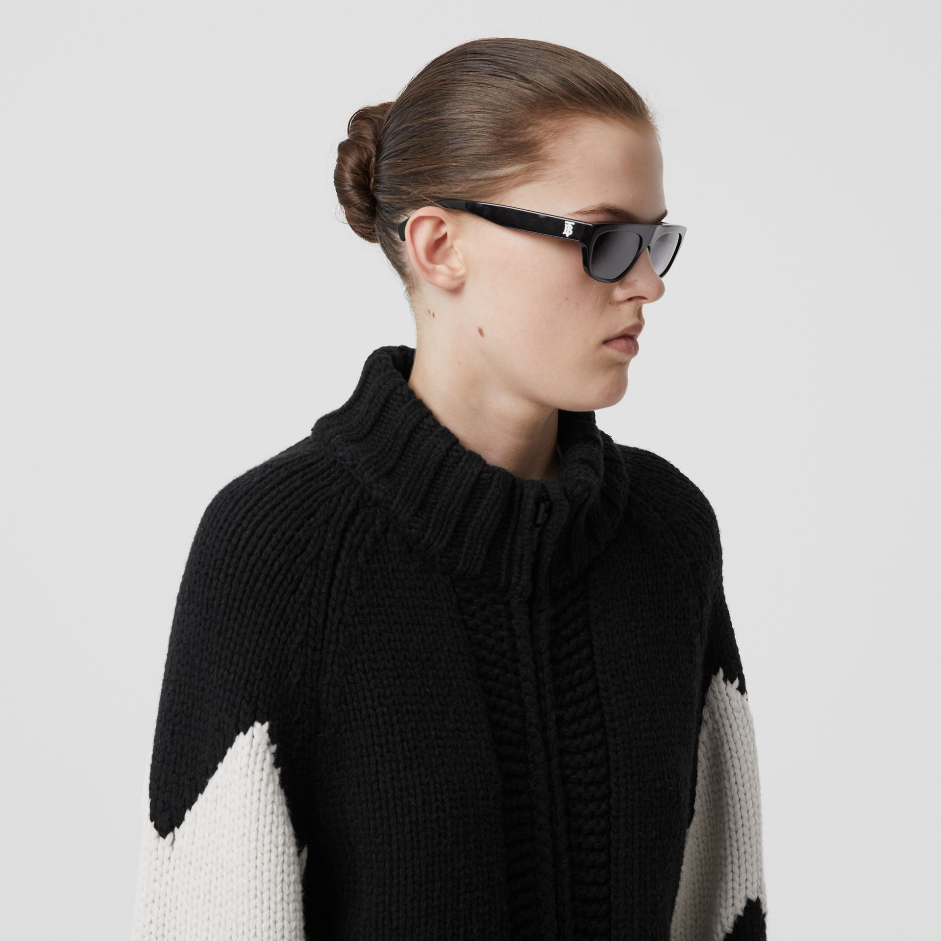 Detachable Hood Two-tone Wool Cashmere Cardigan in Black - Women | Burberry - gallery image 5