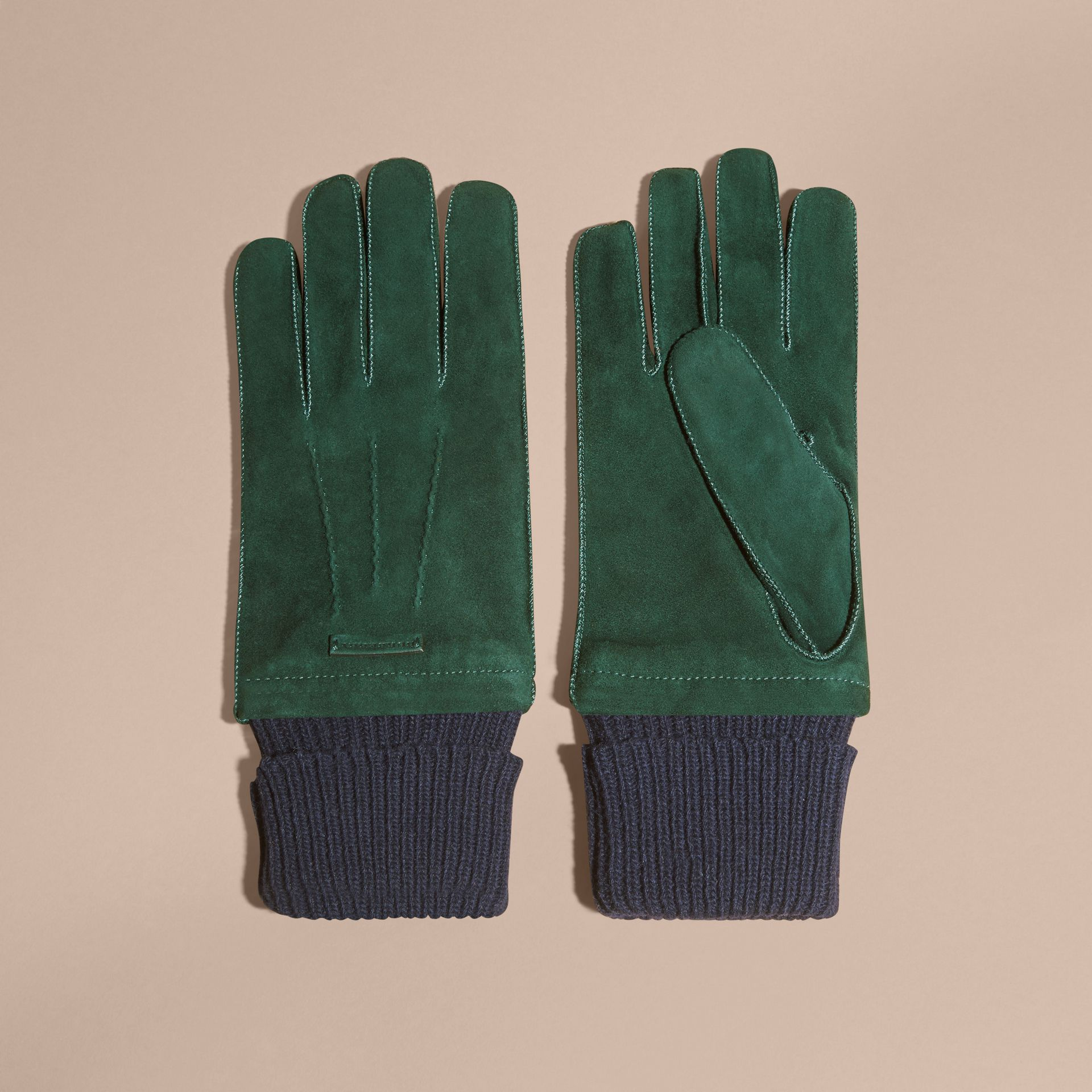 Gants en cuir velours avec bordure côtelée en laine et cachemire (Vert Cèdre Sombre) - Homme | Burberry - photo de la galerie 3