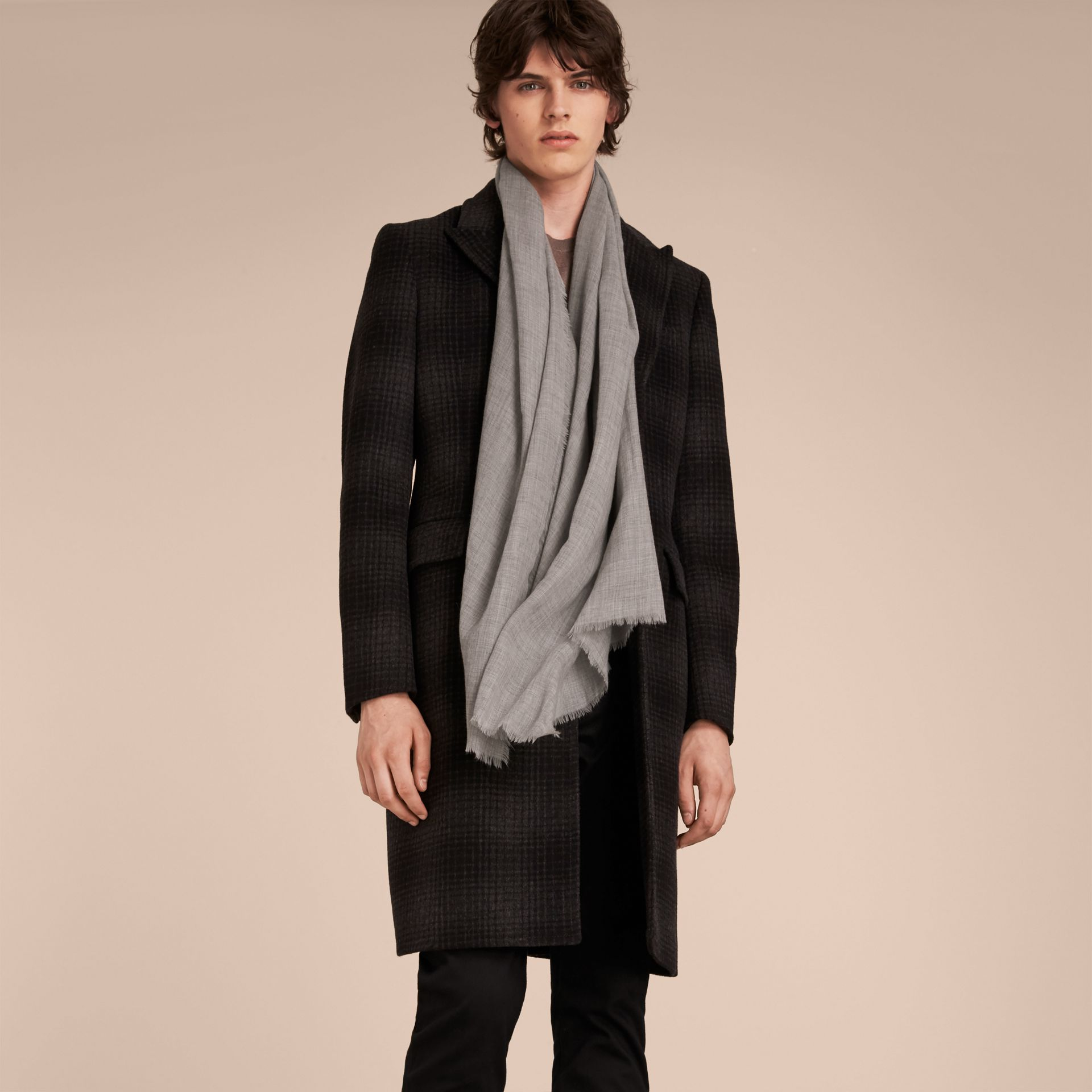 The Lightweight Cashmere Scarf Pale Grey - gallery image 4